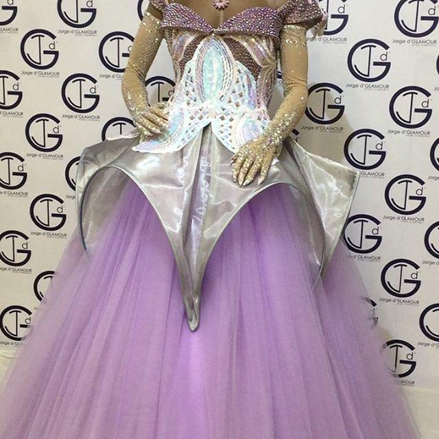 #dress #dragrace #dressdesign #fashion #fashiondesigner #fashiondress #rupaulsdragrace #dragqueen #houtecouturedress #hautecouture #italiadragqueen #dragqueenshow #dragqueenmakeup #dragqueensofinstagram @milonga.misslarga