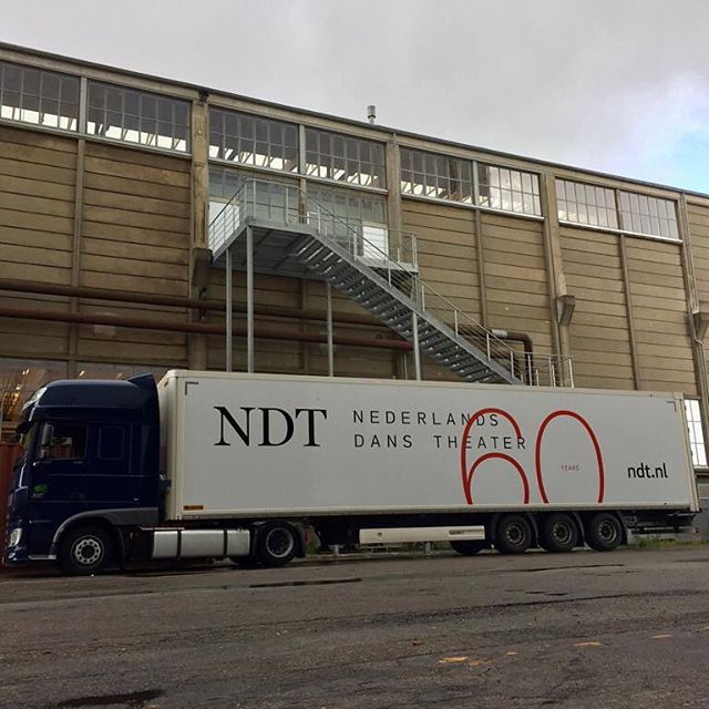 NDT's sixtieth anniversary travels everywhere with our brand new trailers!⠀ ⠀ NDT 1 is currently in Copenhagen for several performances in @kglteater. Tonight is the final performance, including 'Singulière Odyssée' and 'Shut Eye' by house choreographers Sol León & Paul Lightfoot, and 'Solo Echo' by associate choreographer Crystal Pite. Toi toi toi to all dancers and crew!⠀ ⠀ #NDTdance #NDT60 #NDTontour #onstage