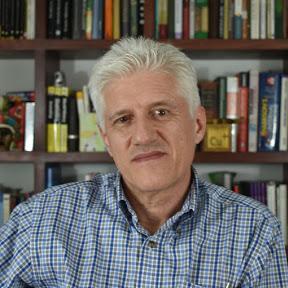 Dr. Alejandro Macias