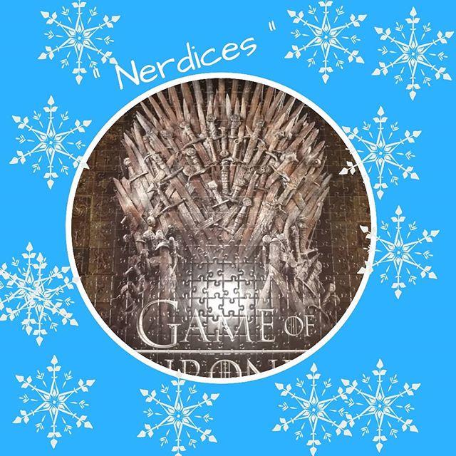 Como todo bom nerd entre uma leitura e outra nada melhor do que juntar:  QUEBRA-CABEÇA + A MELHOR SÉRIE DA DÉCADA!  Quem disse que O trono não seria meu , ele é todo meeeeeu!!!!!! Agradeço as orações que fiz a Velha para nos dar sabedoria para montar esse abençoado. (Terrível tanto quanto na série!) Best game ever!  #GoT #puzzle #quebracabeca #georgerrmartin #nerd #geekboy #nerdboy #500peças #leitor
