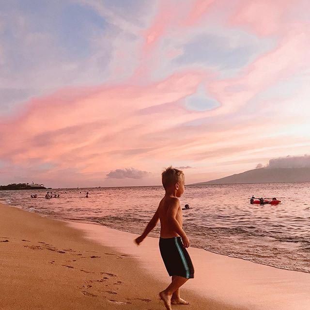 Logan living his best beach life 😍  #HKMemories #GlasgowsDoHawaii #Hawaii #BeachVibes #LifesABeach #FamilyVacation2019 #LovingTheOrdinaryMoments #TheHeartCaptured #LittleFierceOne #MoreThanMama #MotherhoodInspired #LetThemBeLittle