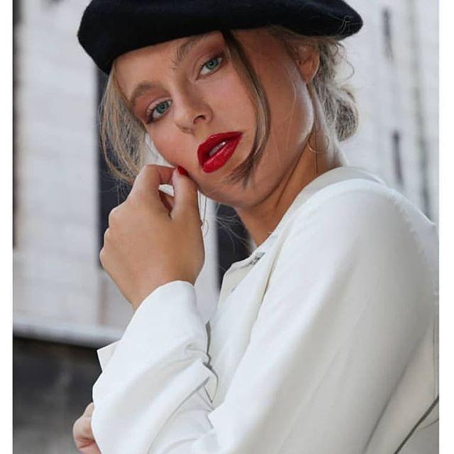Model: @sommjf Photo: @fred.img Make-up: @haidtl  #shooting #photo #video #makeup #maquillage #paris #model #sacrecoeur #frenchwemen #parisienne #maquilleuseparis #redlips #naturalmakeup #photography📷 #photographe #maquillagealaparisienne #eyes #red #rouge #beauty #lipstick💄 #mannequinfemme #france🇫🇷 #sacamain  #beautifulgirls #beautifulwork