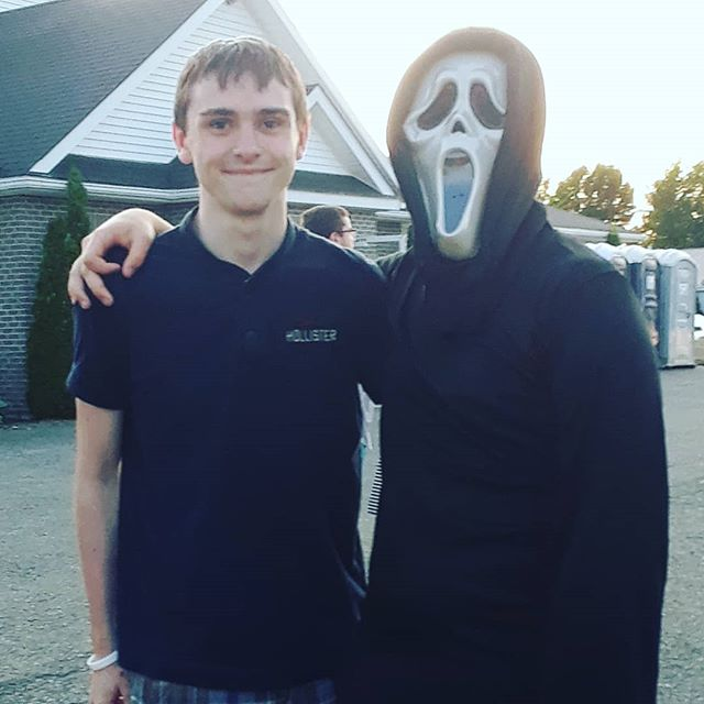 """""""What's your favorite scary movie?"""" - Ghostface . . . . #scream #scream2 #scream3 #scream4 #ghostface #ghostfacecosplay #ghostfacecostume #ghostfacemask #serialkiller #horror #horrormovies #scary #scarymovies #serialkillermovies"""
