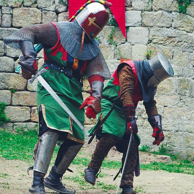 Long is the time needed to become a great warrior ⚔ . . . . . #livinghistory #knightinshiningarmor  #medievalknight #chivalry #warrior #knightsarmour #medievalstyle #historicalmedievalbattle #larp #historicalplace #ancientlife  #larpersofinstagram #medieval #sword #fighting #knight #swordcraft #armour #chainmail #swordfight #medievalreenactment #reenactment #reenactor #medievaltimes #histoire #chevalier #armure #combats #guerrier #castlesofinstagram