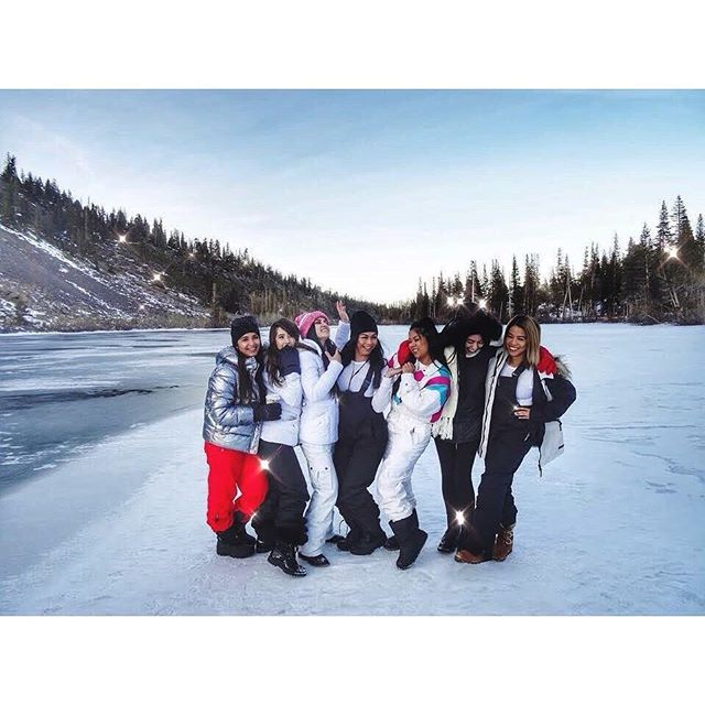 January 18' with these girls ❄️ ⛄️💙 (p.s. I'll probably get a beating from my friends for not posting something new 🤷🏻♀️)