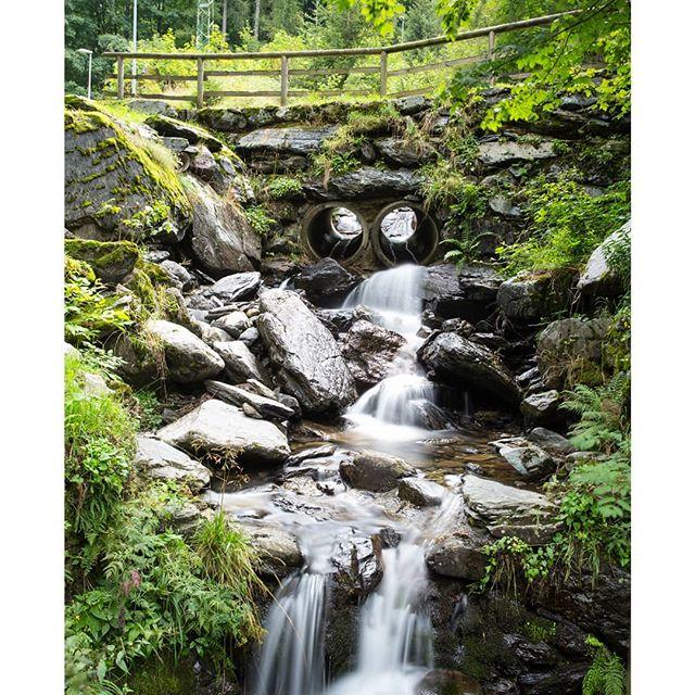 Carona #carona #valbrembana #acqua #h2o #waterfall #longexposure #ndfilter #photo #nature #green #trees #alberi #naturephotography #manfrotto #holiday #italy #fineartphotographer #fineartphoto  #prints #30secsexposure #picoftheday