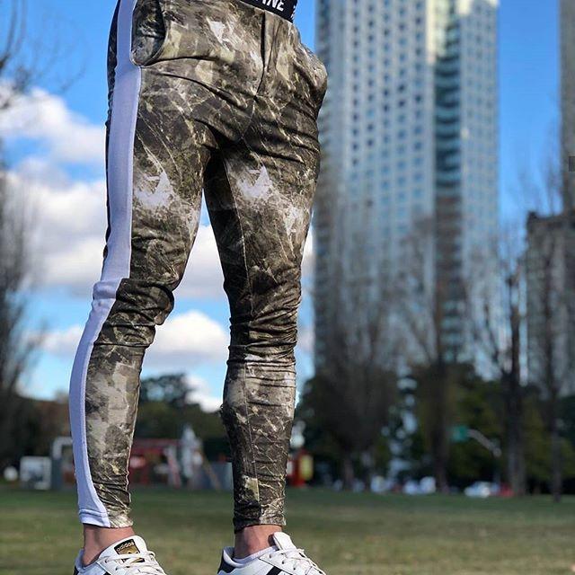 ➡️ Nuevo ingreso bomba! 🔥 ➡️ Jogger ultrafit spandex de acetato. colección verano 2020! La rompen! ➡️ Promo Efectivo $1390!