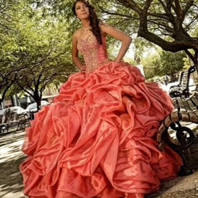 DMNUZ LY . vestidos de xv