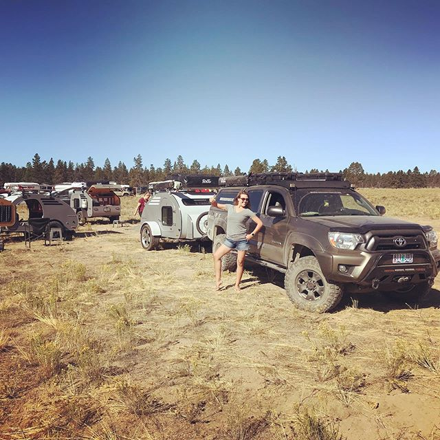 I didn't take many pictures at @descendonbend, was too busy having all the fun!  But here are a few from last weekend.  The Volvo 6x6 was gorgeous and impressive, but that crazy blue Syncro was the only vehicle to make it up the hill climb.  I watched the whole thing but was too amazed to pull out the phone to get a video.  If anyone who was there has video of that climb, PLEASE send it to me!!!! #oregontrailerfamily #descendonbend #ascendthehole #holeintheground