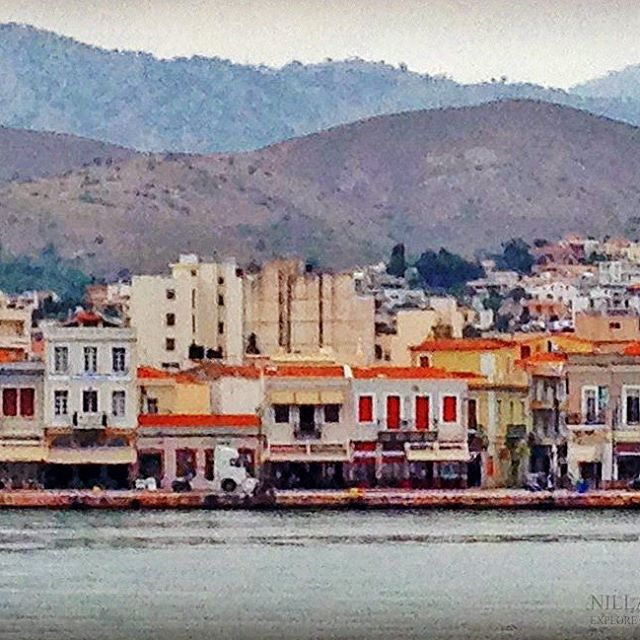 Chios town, where the harbor is located... . . . . . . . . . .  #instatravel #instagood #ig_life #wonderfulplaces #photooftheday #travelphoto #traveltheworld #travelphotography  #earth_superior #best_worldplaces #gezifotografı #fotogezgin #seyyah #gununkaresi #bestoftheday #kadrajimdan