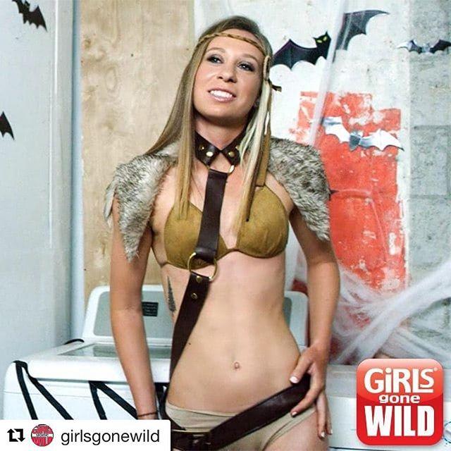 #Repost @girlsgonewild with @repostapp ・・・ GGW spooktacular! #flashback #halloween #ggw #girls #party  This day was SO much fun