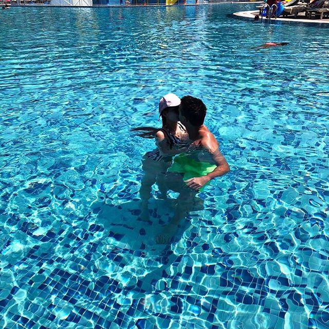 Отдыхаем с любимой❤️ .  #море #турция #лето #добродушный #семья #загараем  #sea #summer #turkey #турция #анталия #сиде #кемер #алания  #summer2019  #пляж