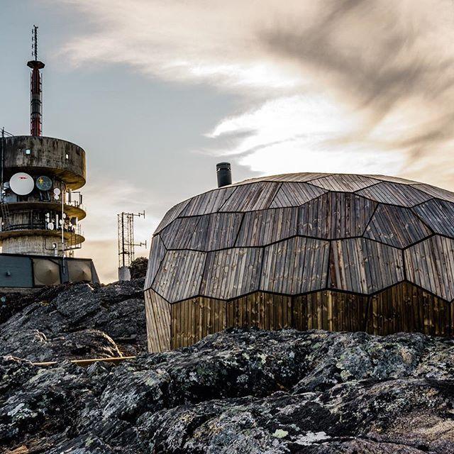 Tyven - Day Trip Cabin.  #hammerfest #achitecture #architectural #architektur #arkitektur #finefinnmark #nordnorge #visitnorway #finnmark #perletur #dennorsketuristforening
