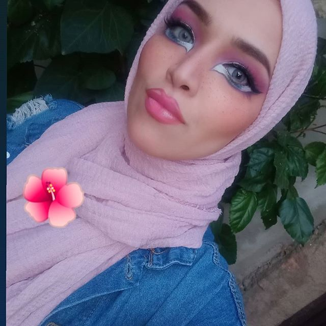 #Throwback  who loves Bratz dolls 🤩 !?. Throwback to a look I did when #bratzchallenge was on 😊 . . . . . .  #makeupartist #algerienne🇩🇿#bratzdolls #repostmyart #algeriantalent  #makeuplovers#maquillageprofessionale #maquillage #makeupartistsworldwide #مكياج #ميكب #الجزائريات #جزائر #ايران#دبي  #makeupforevermea ❤️#makeupforeveracademy #kryolanofficial #dubaiartist #dubai #dubaigirls #artlover #artistsofinstagram  #getrepost