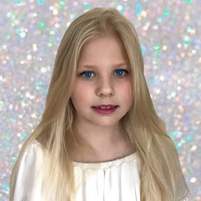 Snow-white Nicole