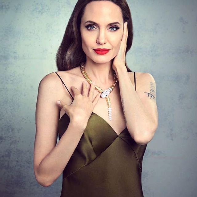 Angelina Jolie by Cosmopolitan Magazine Russia.  Photographed by Jason Bell  #angelinajolie, #jasonbell, #cosmopolitanmagazine, #maleficent, #malévola, #disney