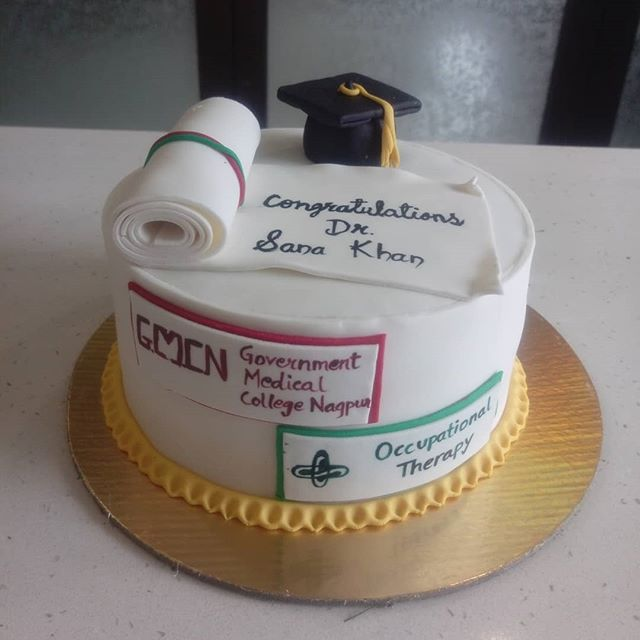 With this cake add more magic to your loved ones graduation  ceremony and bless them for a successful future... Order @rituscakedesigningstudio Checkout my YOUTUBE CHANNEL:  Ritu's Cake Designing Studio (Link in BIO) . . . #rituscakedesigingstudio #rcdstudio #simplynonfondant #easydiycakes #baking #cakelover #cakelove #cake #cakedecorating #instafood #food #foodlove #foodgasm #cakegasm #foodporn #cakeporn #instacake #foodstagram #cakestagram #foodislife #cakeislife #withoutfondant #buttercream  #graduationcake #graduation