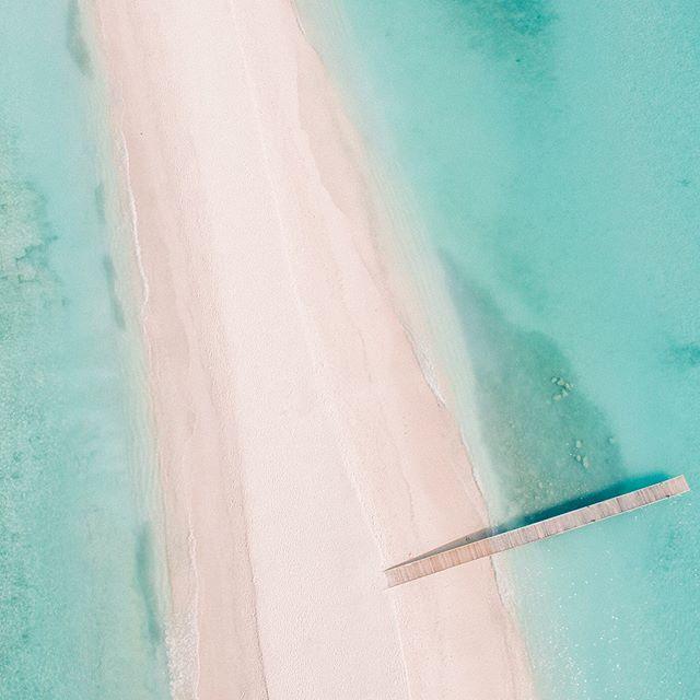 @kuramathiisland's epic sandbar from the air ⚡️ @thisdronelife #dronephotography #maldives #sandbar