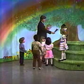 Romper Room - Topic
