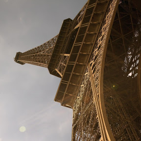 Eiffel Tower - Topic