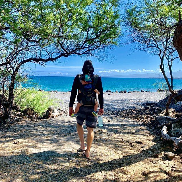 One of my top ✋🏼 favorite places with my top ✌🏼favorite people. . . . . . . .#kiholobay #myhappyplace #besties #ohana #landonkai #landandseamonster #adventuremore #snowflakeeel #morayeel #hiking  #luckywelivehawaii #bigisland #hawaiinei