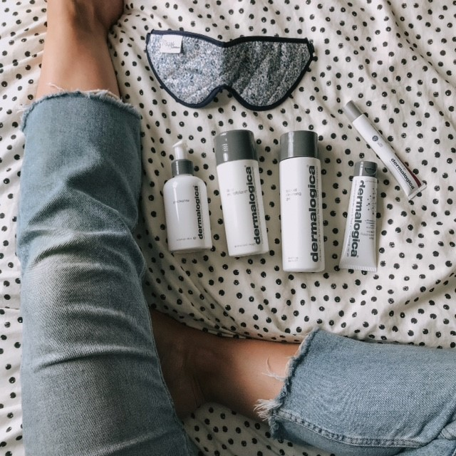 """ Thoughts from our #skinfluencer Sarah; """"I've been using these @dermalogicauk products for about a month now and they've transformed my skincare regime and basically saved me from make-up remover wipe sin 🙈  . I always thought I didn't have the time for anything else to be honest, busy days, life with two young children, always tired...but they've made it quick, simple and completely doable to establish a good skincare routine. It makes all the difference to my mood (and skin!) to just put myself first, even for 5 minutes each day.""""  . 📸 @littlebugtogs """