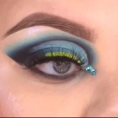 (Follow @blenderellla for more dope content) . . Hi Guys! Here's a Tik Tok style video for u cus when I was filming this look... apparently I wasn't filming this look💀💀😂😂 so enjoy the only footage I have😂😂 . ——————————————————— PRODUCTS:  @nomadcosmetics  Lago Di Como palette*  @_baddiecosmetics_  neon stacker  @anastasiabeverlyhills  Brow definer medium brown  @glitterlambs  face jewels*  @ofracosmetics space baby highlight  Random imats lashes ———————————————————