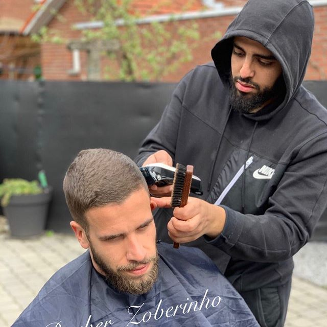 ✂️ Add me on #snapchat: zoberinho ✂️👌🏾 #barber #barberingislife #barbering #barberlife #hairstyle #barberlife #barberingdaily #parrucchierepersonale  #promoot #parrucchiere #hair #fade #wahl #kapper #maasmechelen #limburg #home #belgium #belgiumbarber #balr #snapchat #brother #love #motivation #work #bottom #football #basketball #sport @sharpfade @barbershopconnect
