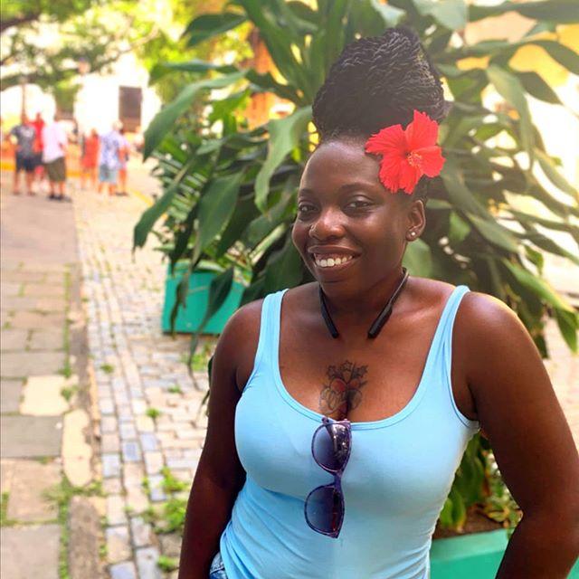 🎶Put one of them little flowers🌺 in ya hair, have you lookin like a fly mamacita-FUEGO🔥🔥🔥#puertorico #oldsanjuan #mua #makeupartist #makeupforblackwomen #motd #makeupformelaningirls #blackgirlmagic  #beautiful #makeup #beauty #lashes #eyes #eyeshadow #lips #brows #baecation2019 #instamakeup #divinedivasmakeup92 #makeupjunkie #kilprity #shoutoutmakeupbeauty #universodamaquiagem_oficial #20likes #follow4follow #muanation #likeforlike