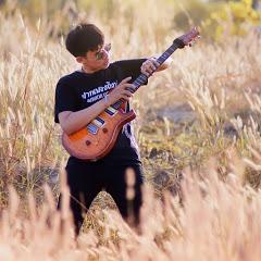 Toey Guitar rist