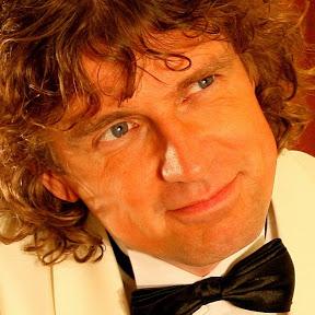 Ian Mulder Piano