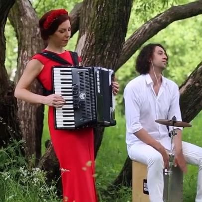 The artist you see in the video is @moscow_night_group performing Hymn For The Weekend by @coldplay . Watch the full video on youtube Also don't forget to like and share the video. For more amazing videos like this subscribe to our channel. Link in the bio! #coversongs #moscownightgroup #coldplay #hymnfortheweekend #accordion #coldplayforever #coldplaymusic #corversong #coverarmy