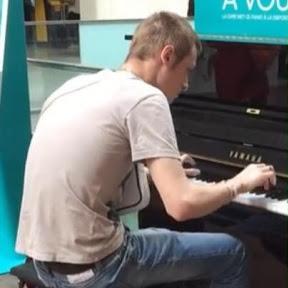 Carl Le Pianiste