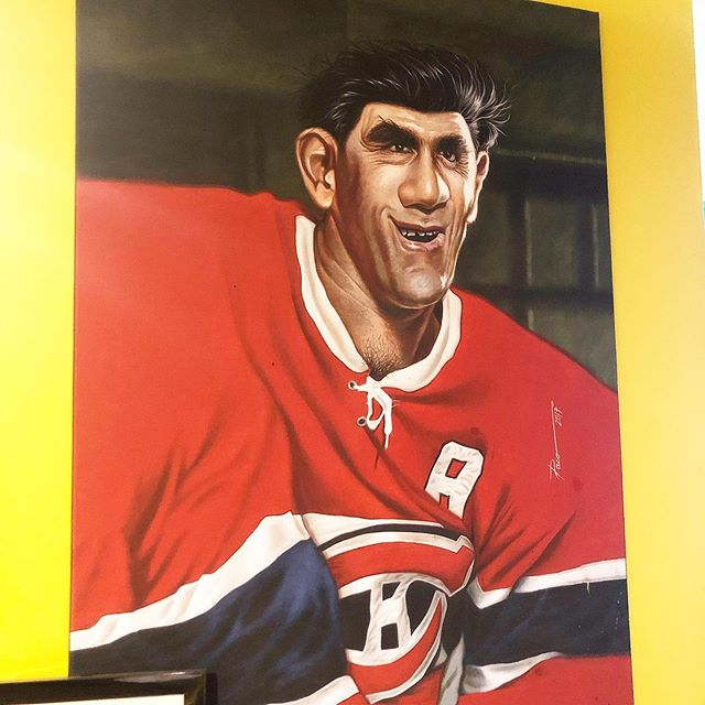 I enjoyed this caricature painting of Rocket Richard (1921-2000) beloved Quebec hockey man of generations past. This was in a Venezuelan restaurant.