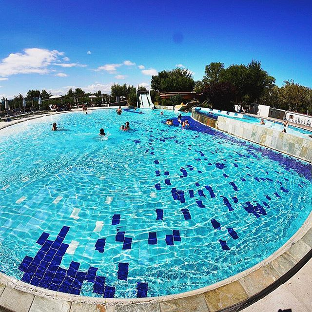 #italy #holiday #summer #fotooftjeday #lidodispina #clubdelsole #camping #pool #fisheye #picoftheday #photographer #photography #photo #sonyalpha #JustGoShoot #InstaGood #InstaPhoto #PicOfTheDay #PhotoOfTheDay #Photogram #Capture #Photography #venezia #adria #sun #blue #water #schwimmbad #urlaub #