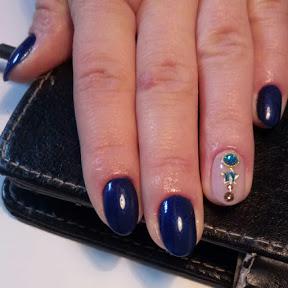 Mania Manicure
