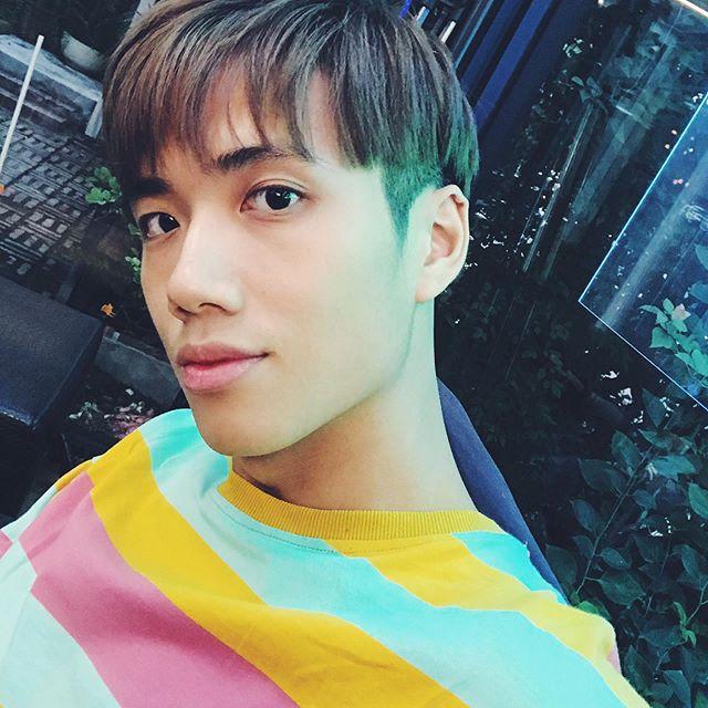 - 秋天來了🍁 該是換個髮型的時候~ 既然大家都比較愛我瀏海的造型,那就來吧! - 感謝設計師 @i__am__keira - #new #hair #hairstyles #korea #koreanfashion #haircut #fringe #bangs #boy #guy #man #앞머리 #taipei #taiwan