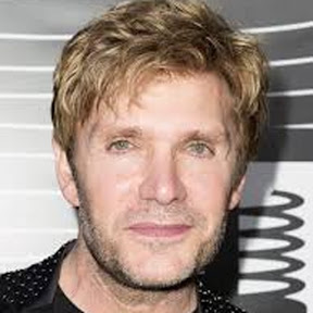 Vic Mignogna - Topic