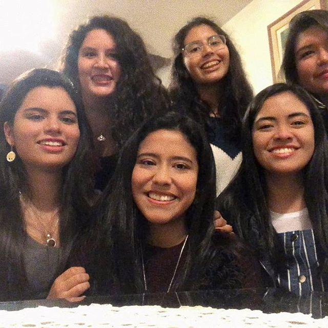 La vida es más hermosa con amigas como ustedes 💜 Que nunca nos falten los recuerdos, los ataques de risa y el amor Las amooo❣️ #friendship #teextrañamos #reencuentro #🇵🇪❤️