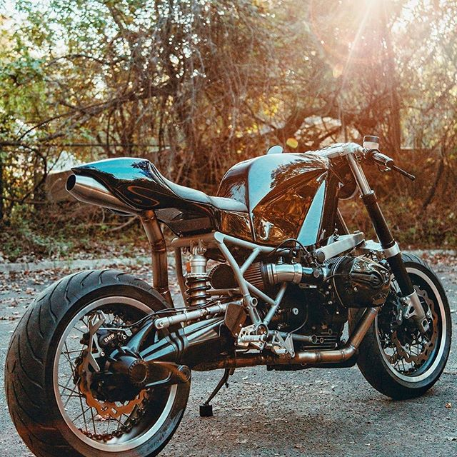 -[ BMW R1200S ]- Clean 👊🏽✊🏽💨 _ _  Build By -> @revivalcycles
