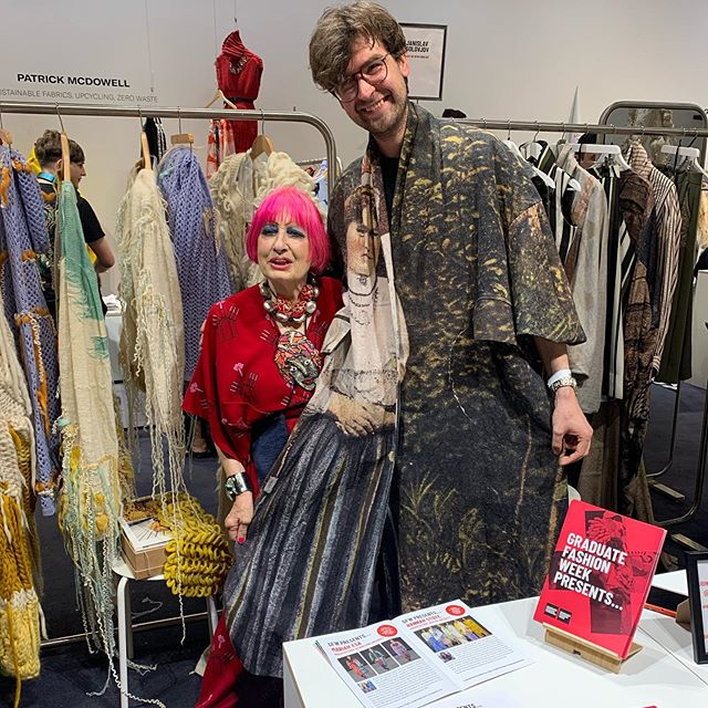 GFW Lifetime Patron @zandra_rhodes_ visited the GFW Presents stand today at @londonfashionweek to meet the emerging designers and offer advice on entering the industry.  #wearegraduatefashion #lfw #gfw19 #positivefashion