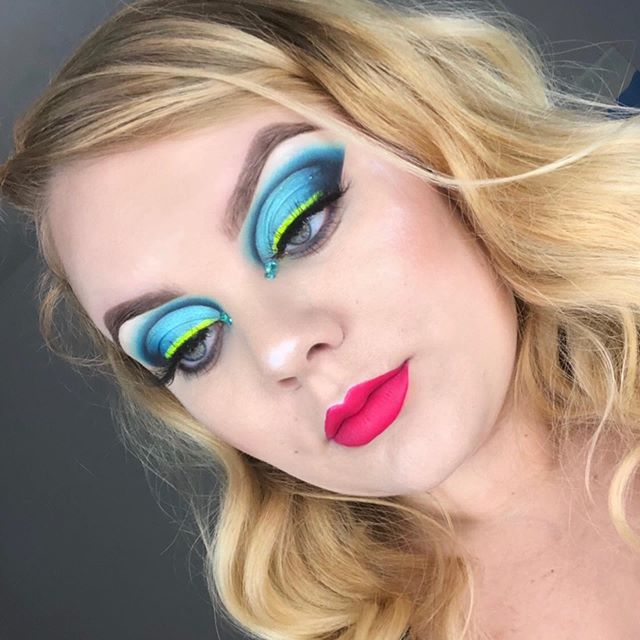 (Follow @blenderellla for more dope content) . . Hiii loves! It's micro influencer Monday on @overlookedmuas ! Check it out for some artists under 2k! ——————————————————— PRODUCTS:  @nomadcosmetics  Lago Di Como palette*  @_baddiecosmetics_  neon stacker  @glitterlambs  face jewels*  @ofracosmetics space baby highlight  @jeffreestarcosmetics yes ma'am liquid lip  Random imats lashes ——————————————————— #underratedmuas #abhjunkies #benefitbrows #colorfulmakeup #blazin_beauties #bretmansvanity #undiscoveredmuas #cutcrease