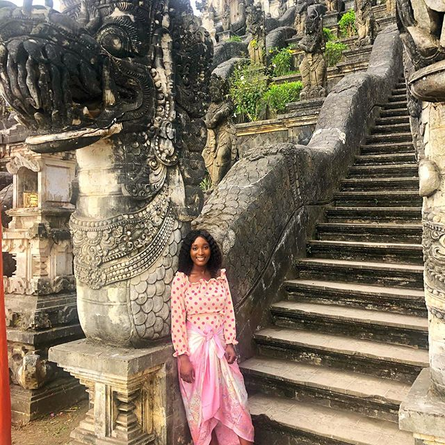 It's not Tuesday or Thursday but who got time to wait on only those days to post tbt 😜#dragonstairs#lempuyang#bali#bali🌴#explorebali#baliindonesia