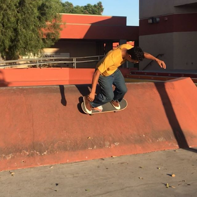 warm ups with the lad, stacking clips  #metrogrammed #skateboardingisfun #purodesmadre
