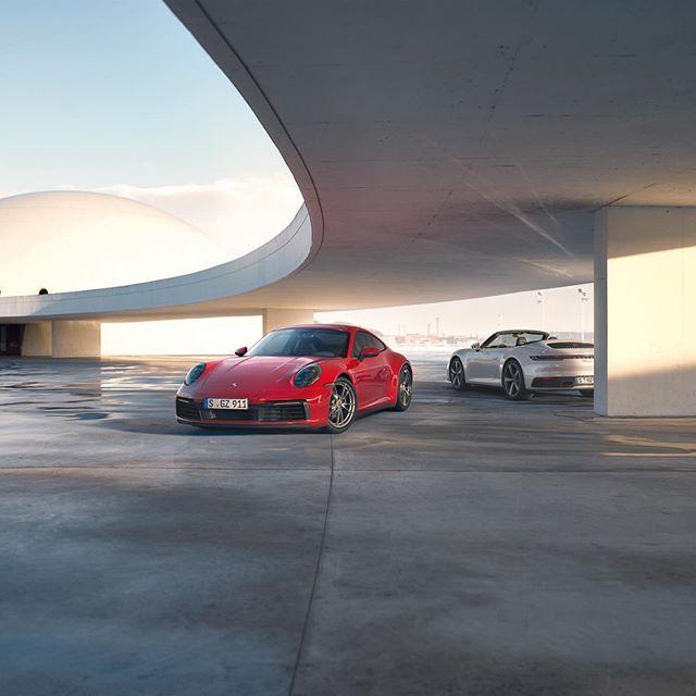 Zuwachs für die Elfer-Familie: der Porsche 911 Carrera ist ab sofort auch mit Allradantrieb erhältlich und hört auf den Namen Porsche 911 Carrera 4 Coupé und Carrera 4 Cabriolet. _ #992Cabriolet #Porsche911Cabriolet #Porsche992 #Porsche911 #TimelessMachine #911Carrera4Coupé #911Carrera4Cabriolet #Porsche #DailyPorsche #Porschegramm #Porschestagram #PorscheMoment  #PorscheLovers #PorscheLife #PorscheLove #LuxuryCarlifestyle #CarThrottle #LoveCars
