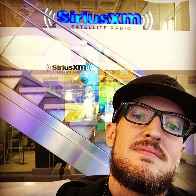 Back in the building! I was here @siriusxm with @neyo a few months ago so it's amazing to be back with @anthonydavidatl. #watchyourtoes #droppinnames