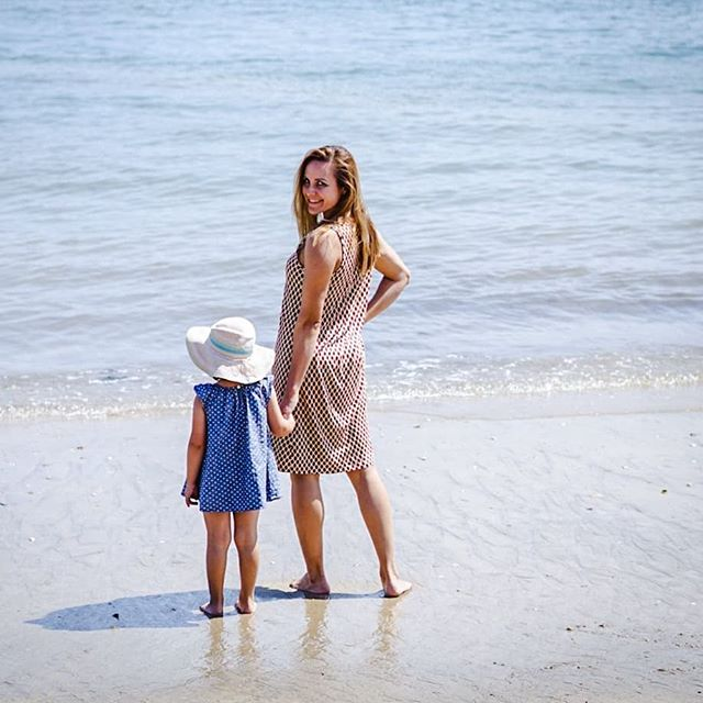 Life is good at the beach. • It was one of those hot, last summer days in Southern Germany. Made me think of holiday and long for the beach. Where is your happy place? • We took this picture in Southern France last week. 🌊 • • • #beautifullife #beachlife #familyislove #acupofmotherhood #beautifmatters #livemoremagic #embraceeverydayjoyfully #happinesshere #happy_moments #openmyworld