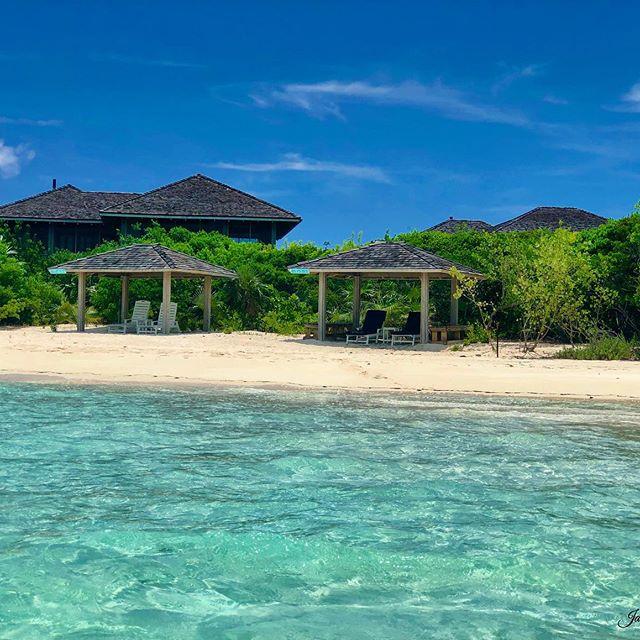 Praying for the Bahamas!! This is such a beautiful place with beautiful people! __________________________________ #pocket_beaches #be_one_skybeach #sun_and_beach_sb #_photo_beaches #tv_aqua #splendid_beaches #beachesandnature #beachesnresort #primebeachusa #onceupon_a_beach #ig_worldbeaches #photo_beaches  #passione_fotografica  #photometre #photographclub #earthpix #worldframeclub #igrefined #mint_shotz #igs_newtag #hey_ihadtosnapthat #got__greatshots #ig_fotogramers #ig_divineshots  #ig_brilliant  #ipulledoverforthis