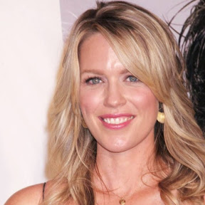 Jessica St. Clair - Topic
