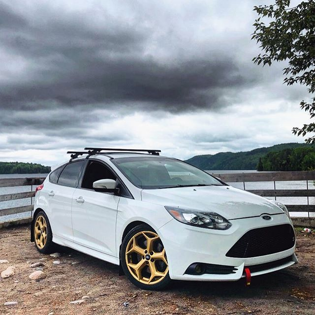 Skrt Skrt 💨 . . . . #focusst #focus #st #ford #fordfocus #united #fordfocusst #fordperformance #mk #boosted #fordracing #ecoboost #euro #turbo #hothatch #hatchsociety #stnation #united #focusmk #focusfanatics #fordfocusclub #boost #fall fordst #fordownersclub #fordlove #stclub #dreamscience